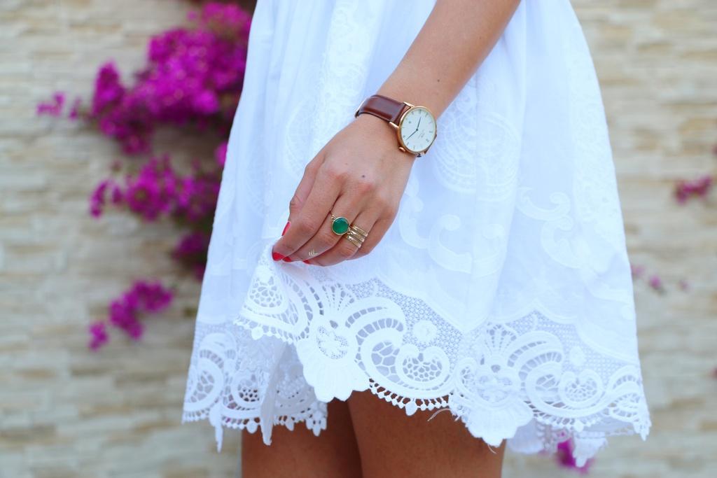 White Dress Sinéquanone